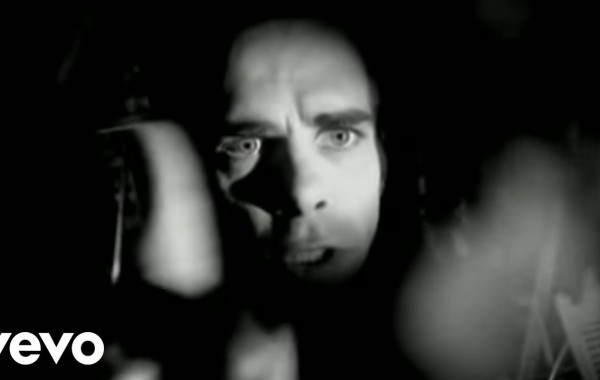 Nick Cave And The Bad Seeds - Red Right Hand Lyrics